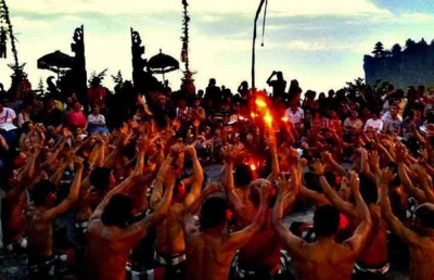 Half day Uluwatu Temple Tour with Kecak Dance and Jimbaran Seafood Dinner